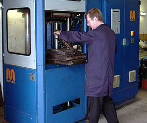 Injection moulding of rubber components