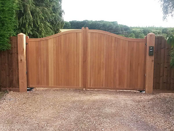 Wooden Gate Manufacturers
