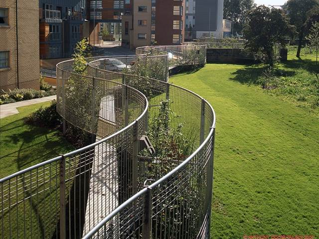 Curved Stainless Fence