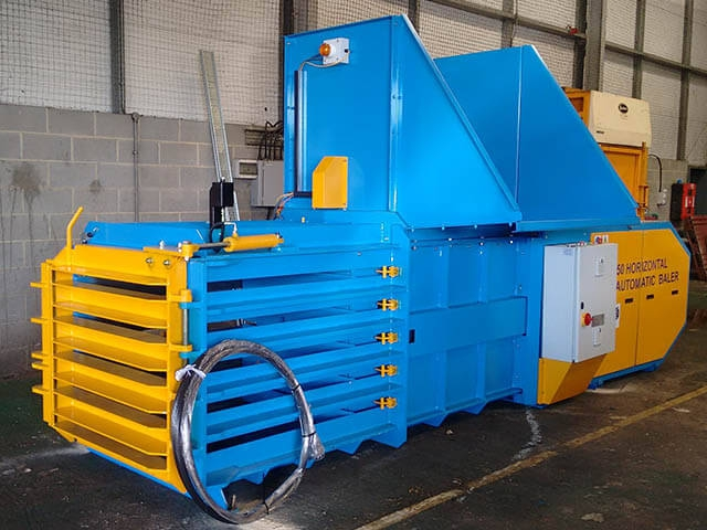 Kenburn Select Horizontal Waste Balers