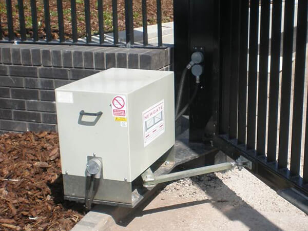 Drive Units For Swing Gates